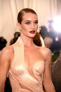2015 Met Gala - Rosie Huntington Whitely2