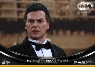 Hot Toys Batman Returns figure - Bruce Wayne