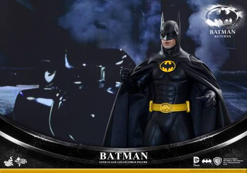 Hot Toys Batman Returns figure - by Batmobile