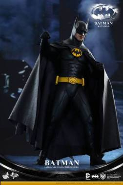 Hot Toys Batman Returns figure - cape out