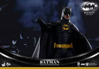 Hot Toys Batman Returns figure - punching