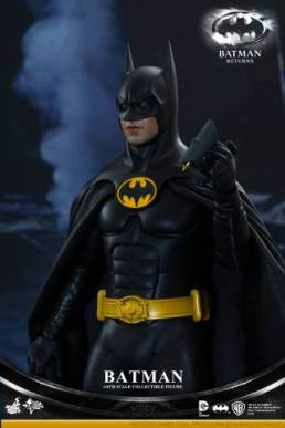 Hot Toys Batman Returns figure - with rappel