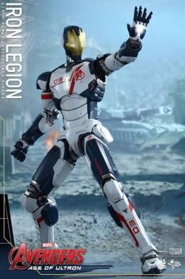 Hot Toys Iron Legion figure - readying