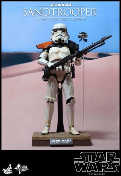 Hot Toys Star Wars Sandtrooper- on stand