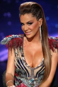 Ninel Conde - sitting hair up