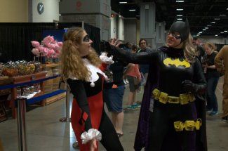 Awesome Con 2015 cosplay Day 2- Harley vs Batgirl