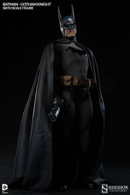 Batman Gotham Knight Sideshow - with grappel gun