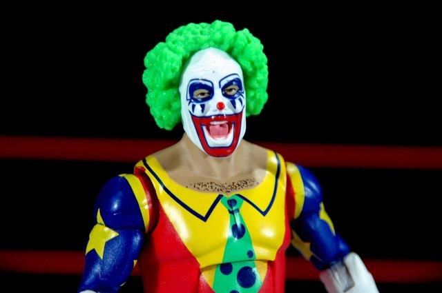 Doink the Clown WWE Mattel figure review - tight head and waist