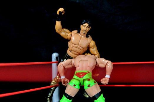 Eddie Guerrero Hall of Fame figure review -swinging tornado DDT