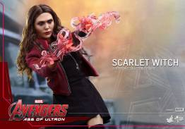 Hot Toys Avengers Age of Ultron Scarlet Witch figure - aiming