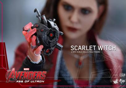 Hot Toys Avengers Age of Ultron Scarlet Witch figure - crushed Ultron heart