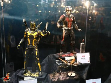 Hot Toys Ant-Man and Yellowjacket