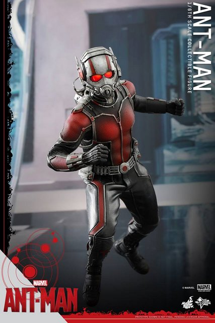Hot Toys Ant-Man figure -launching for battle