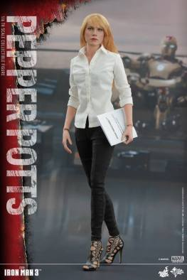 Hot Toys Iron Man 3 Pepper Potts -with folder