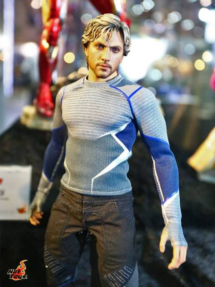 Hot Toys Quicksilver posed