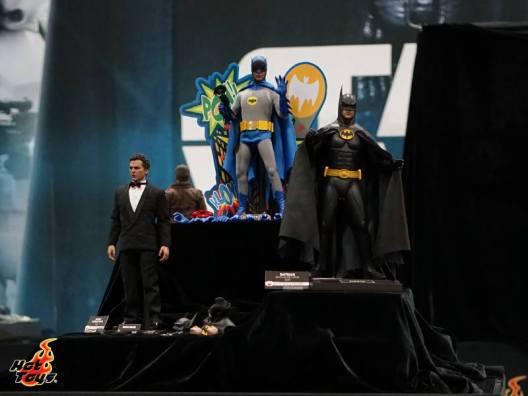 Hot Toys SDCC'15 - Batman 66 Bruce Wayne and Batman Returns Batman