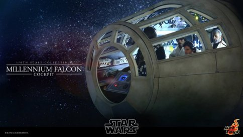 Hot Toys Star Wars Millennium Falcon cockpit -outer view