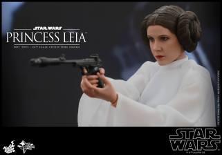 Hot Toys Star Wars Princess Leia -side shot