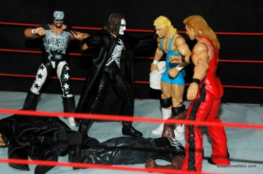 Sting figure WWE Mattel Defining Moments - fighting off nWo