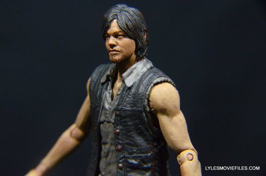 Daryl Dixon Walking Dead deluxe figure -left side profile