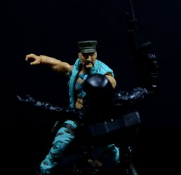 GI Joe Gung-Ho vs Cobra Shadow Guard -Gung-Ho slugs CSG