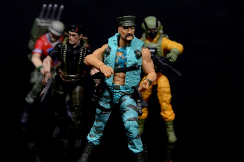 GI Joe Gung-Ho vs Cobra Shadow Guard -on the move with Bazooka, Flint and Airtight