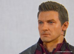 Hawkeye Hot Toys Avengers Age of Ultron - portrait close up