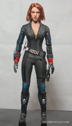 Hot Toys Avengers Age of Ultron Black Widow - front detail