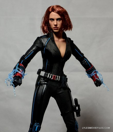 Hot Toys Avengers Age of Ultron Black Widow - triggering wasp's sting