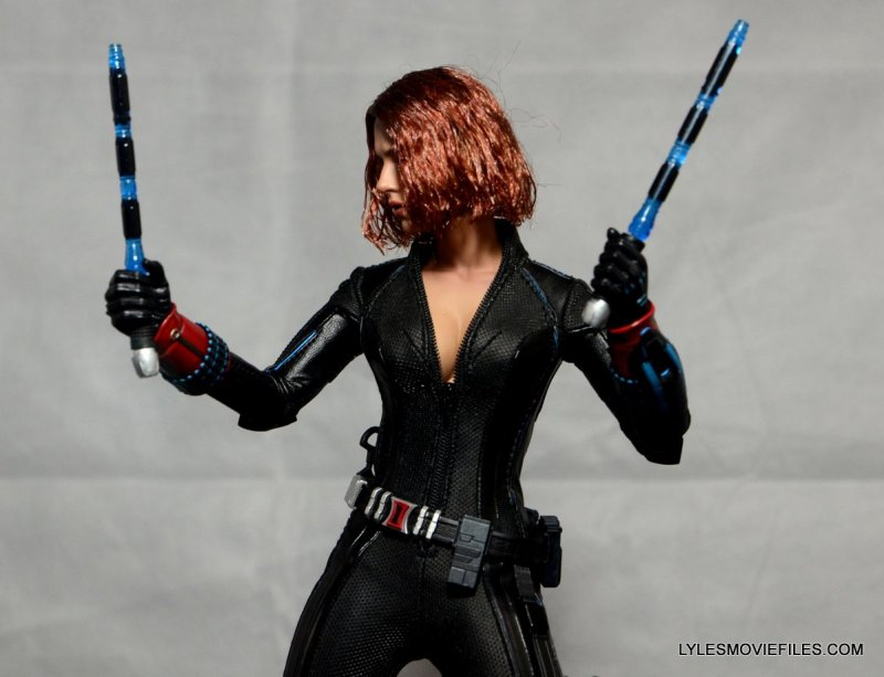 Hot Toys Avengers Age of Ultron Black Widow - with batons