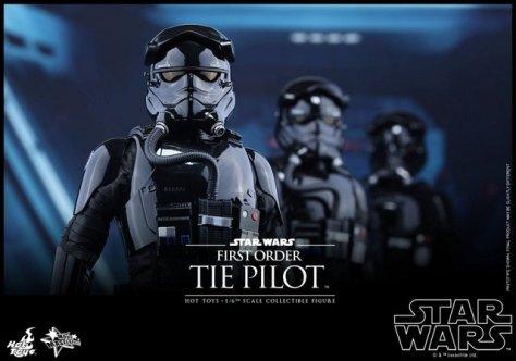 Hot Toys Star Wars Force Awakens Tie Pilot -trio