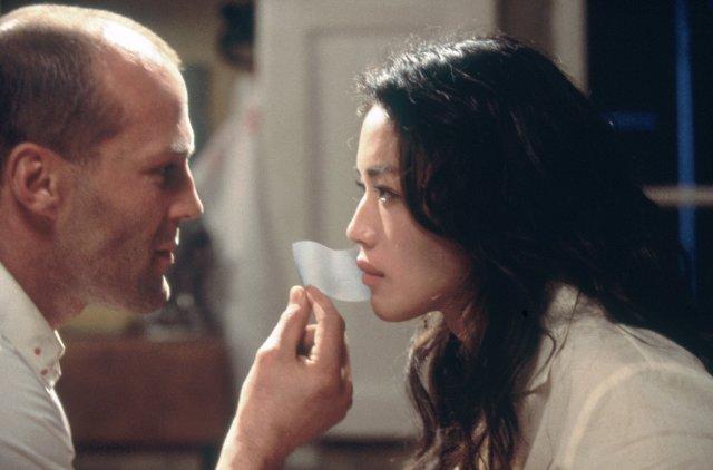 The Transporter - Jason Statham and Qi Shu2