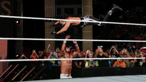 WWE Night of Champions - Sting dives onto Rollins