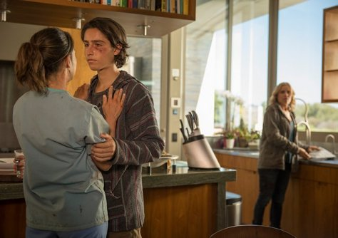 fear-the-walking-dead-episode-106-liza, chris and madison