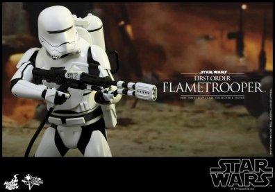 Hot Toys Star Wars Force Awakens First Order Flametrooper -gun ready