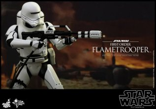Hot Toys Star Wars Force Awakens First Order Flametrooper -taking aim