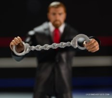Mattel WWE Battle Pack - Triple H vs Daniel Bryan -close up of handcuffs