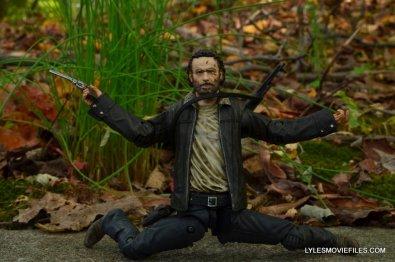 McFarlane Toys Walking Dead Rick Grimes Series 8 -articulation example