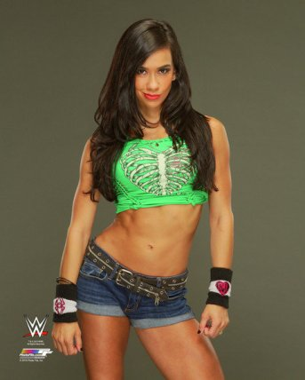 AJ Lee green T-shirt