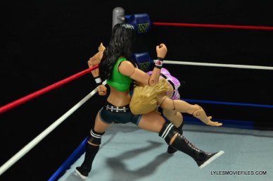 WWE Mattel Basic AJ Lee - elbow Emma2