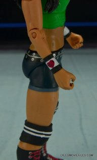 WWE Mattel Basic AJ Lee - right side detail2