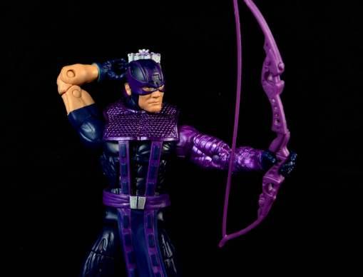 hawkeye-marvel-legends-figure-review -drawing arrow wide