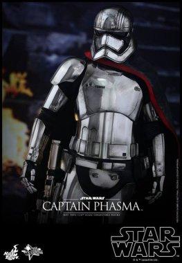 Hot Toys Force Awakens Capt Phasma - at ease