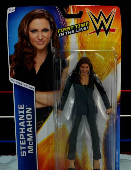 WWE Basic Stephanie McMahon - front package