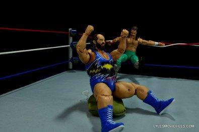 WWE Mattel Earthquake -squashing Damien