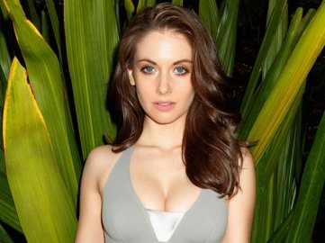 Alison-brie-july