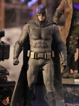 Batman regular Batman v Superman Dawn of Justice figure Hot Toys