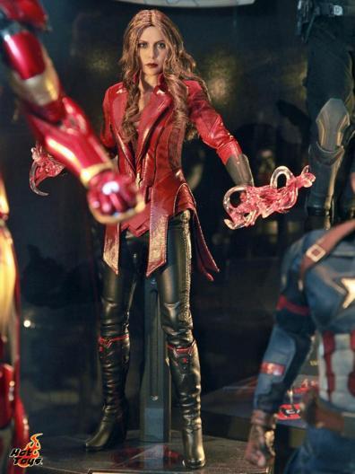 Captain America Civil War Scarlet Witch figure Hot Toys