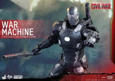 Captain America Civil War - War Machine - aiming