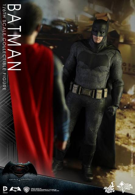 hot-toys-batman-v-superman-batman-face-off-with-superman